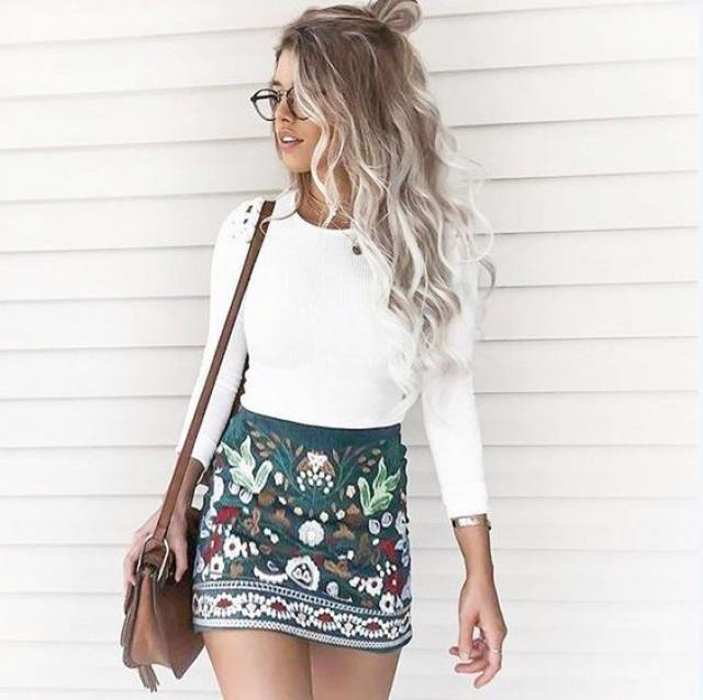 Floral mini skirt!!