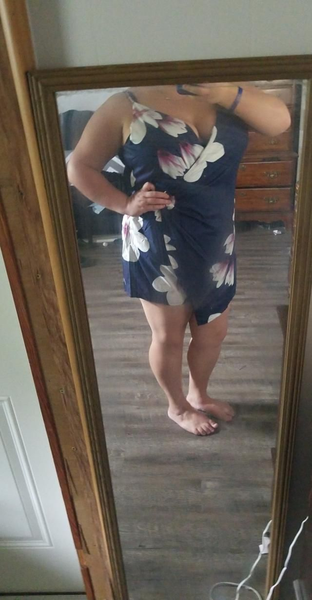 I love this romper. It is true to the picture. I'm 5'4, 230lbs and I ordered a size 3x. I think I might have been able …
