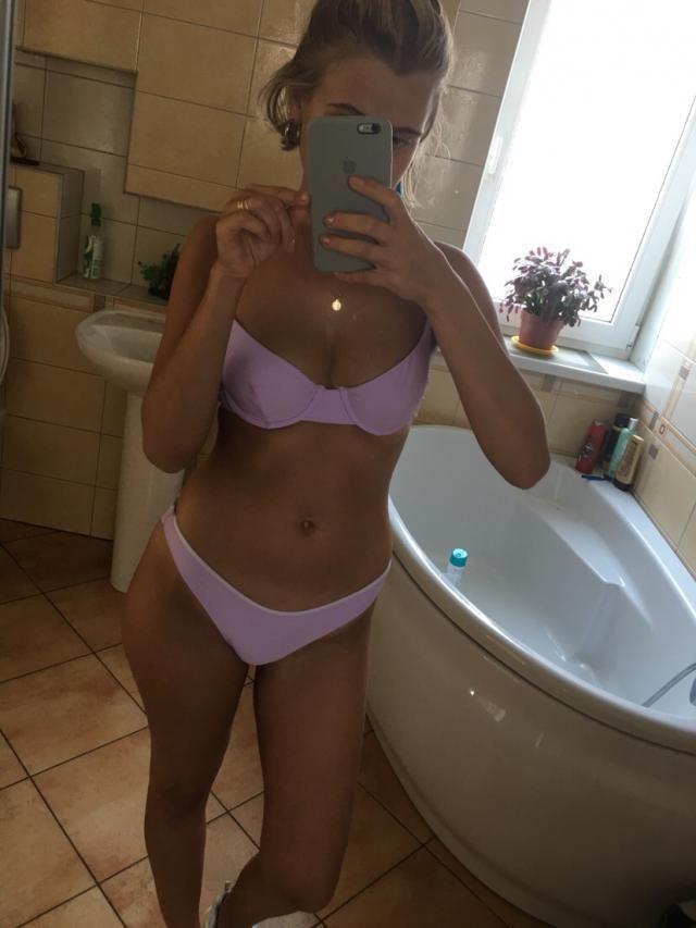 Beautiful bikini! The colour is absolute bomb!