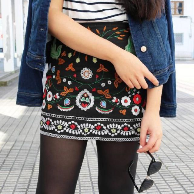 Floral mini skirt!!