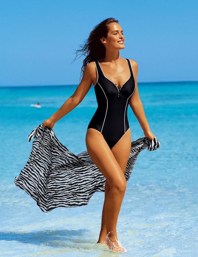Backless Plunging Neck High Waisted One Piece Swimwear Black