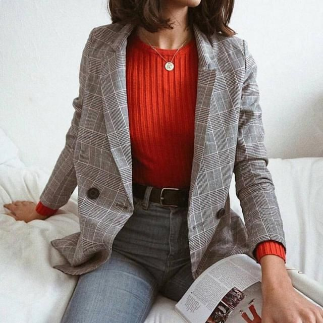 For this fall you must have this plaid blazer it look so chic and goes with everything