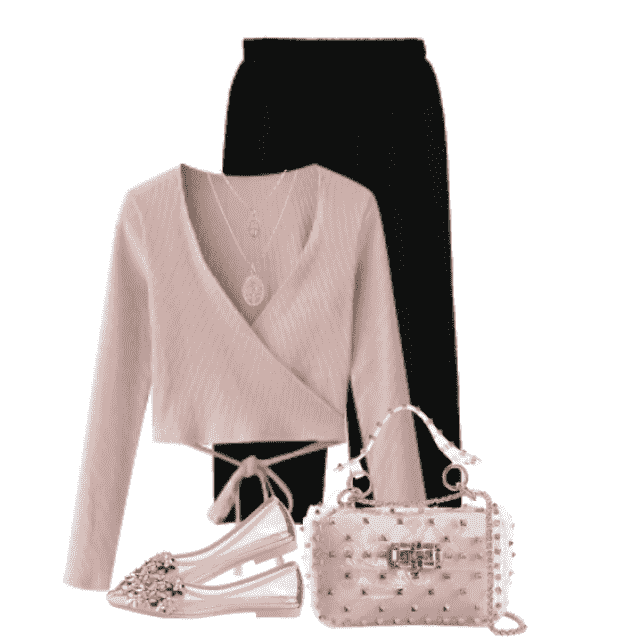 A chic and elegant combo with this amazing bag and the pink sweater and black pants