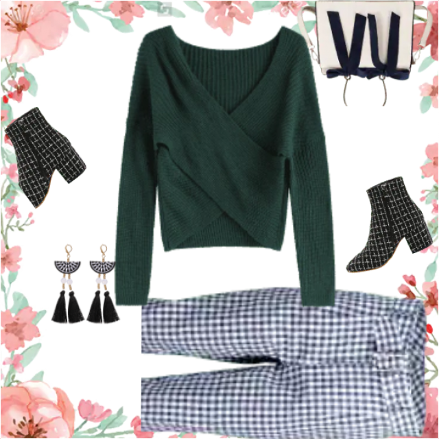 Gorgeous combination of different plaid pattern 'smashed' with blue-green v-neck sweater. The best way …