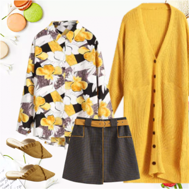 This trendy outfit is the great choice for unstable weather which is so often in the early Fall. Adora…