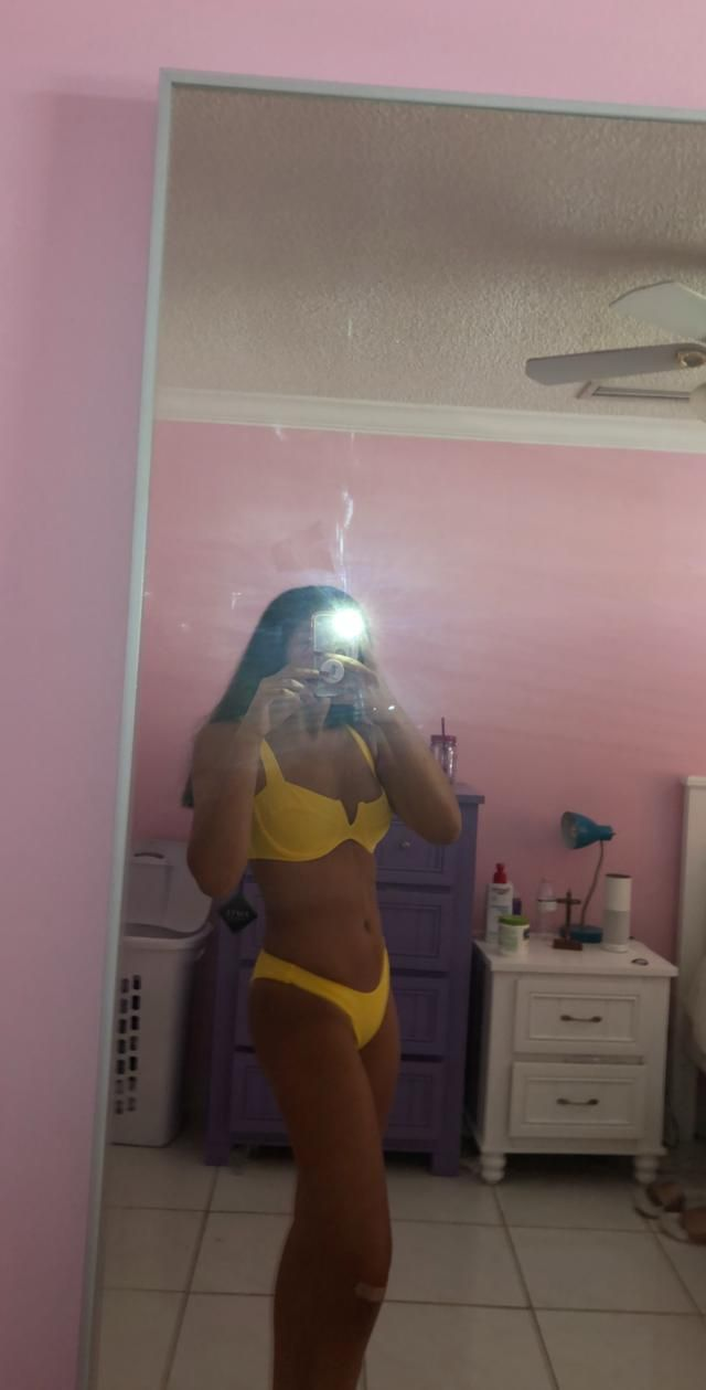I love this bikini, there's no padding in the bra cup at all just Incase u wanted to know. I'm 5'7 , 140 pounds , and …
