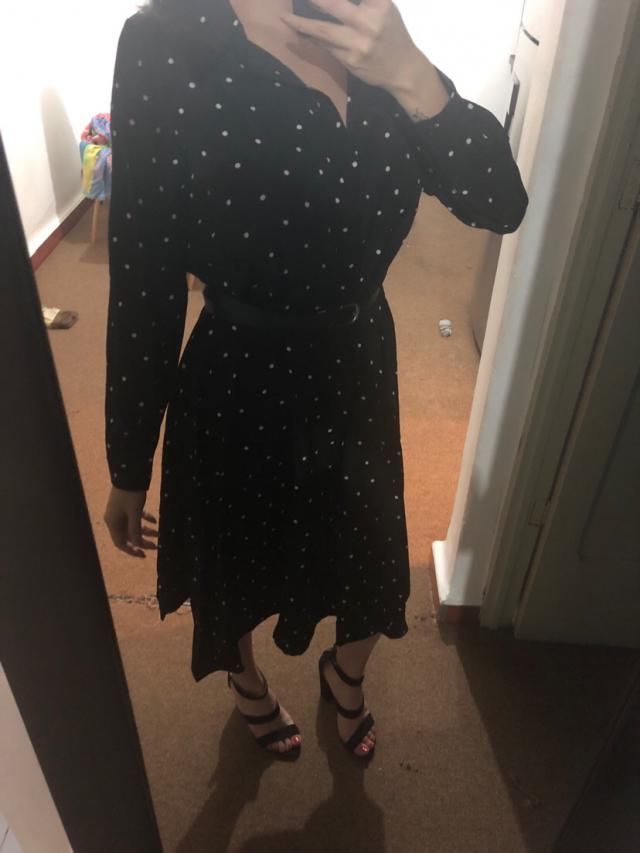 Super cute, fits well but doesnt come with a belt. Also amazing material