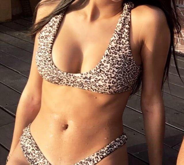 Bikini de talle alto, si tienes mucho pecho la parte de arriba no cubre mucho. Es muy tanga, pero estoy muy contenta.E…