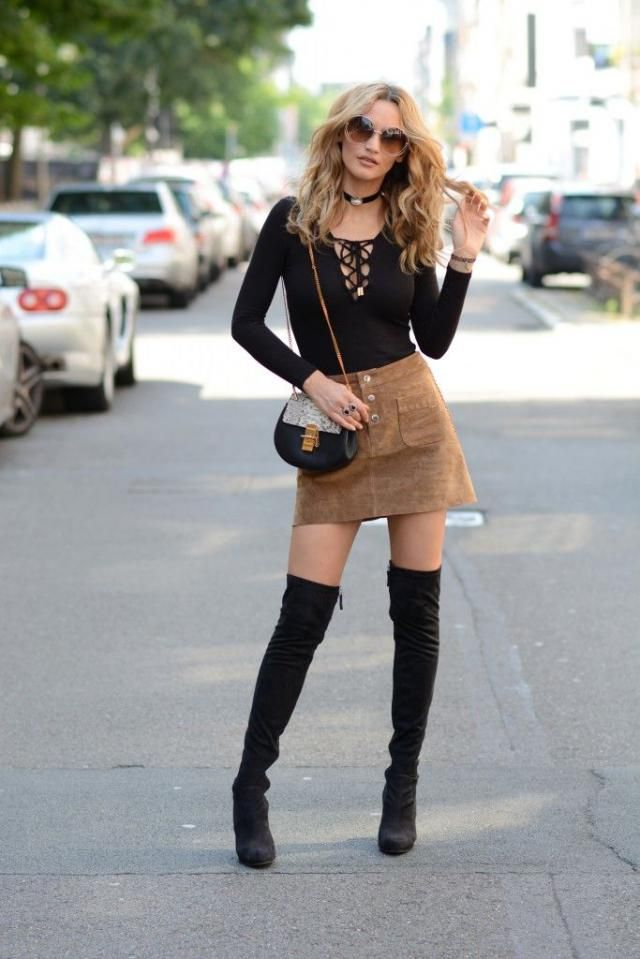 Lace Up Long Sleeve Plunge Tee Black And Skirt Brown