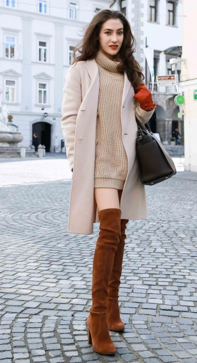 Coat Camel Brown And  Turtleneck Sweater