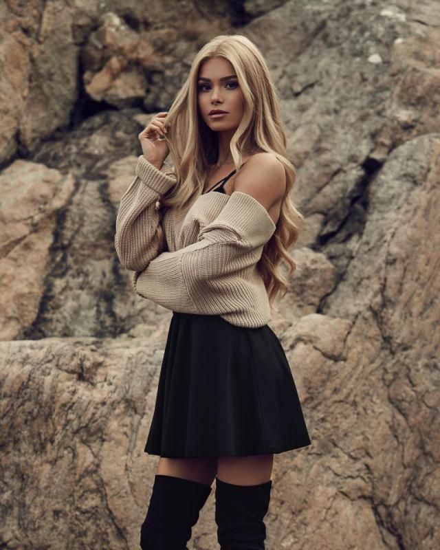For a cute chic day out with your friends try this off shoulder sweater with this cute black skirt