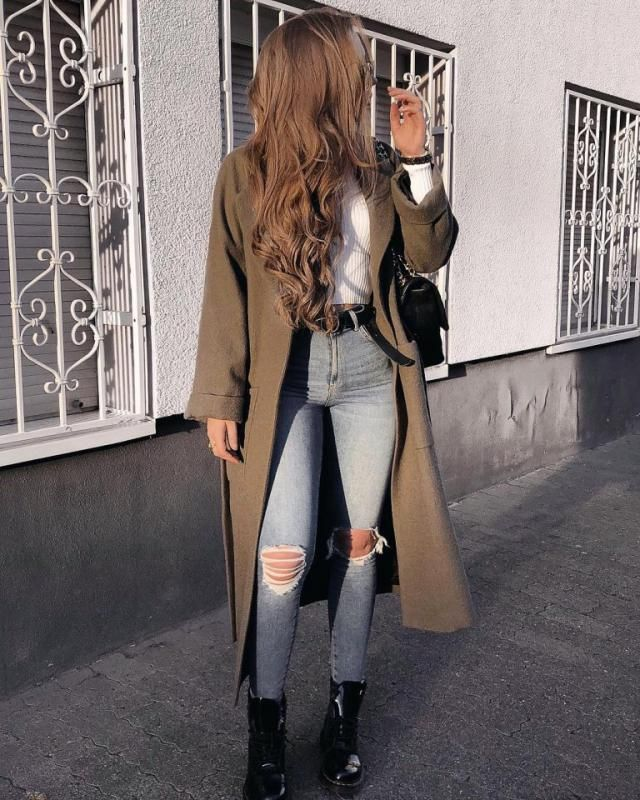 For an efforless chic look try this outfit, I think the coat made it look better what do you think?