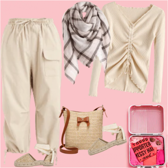 A lovely look in pale colors, khaki and beige, is a great choice for travel in beautiful Autumn days…