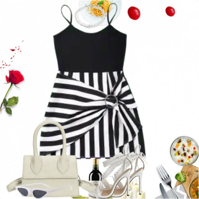 So beautiful black and white striped  dress - perfect Style for a Dinner for two.