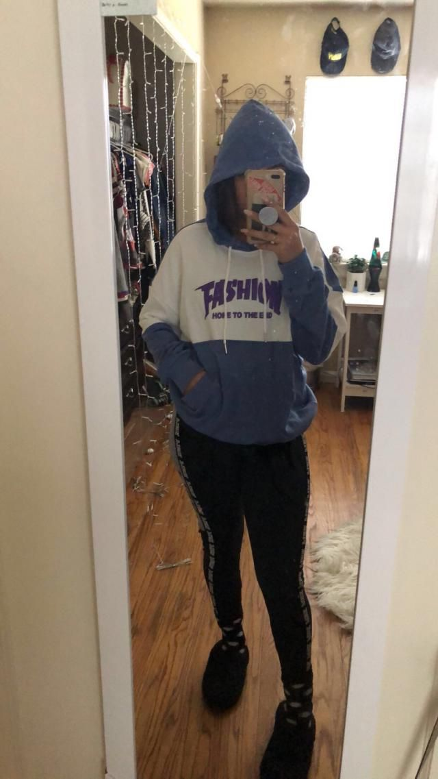 The material isn't like super thick but it still keeps warm looks exactly like pictures and I truly love it, I'm 5'5/ …