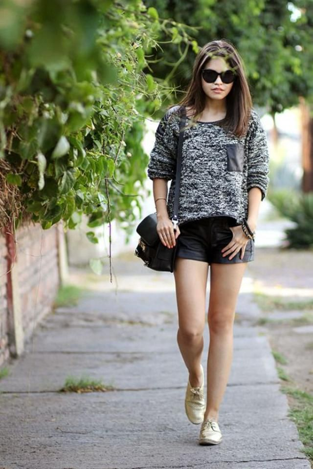Shorts Black And Sweater