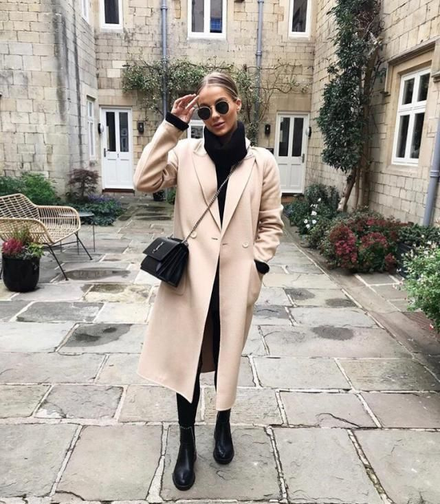 This winter you need long chic coat for a flattering look