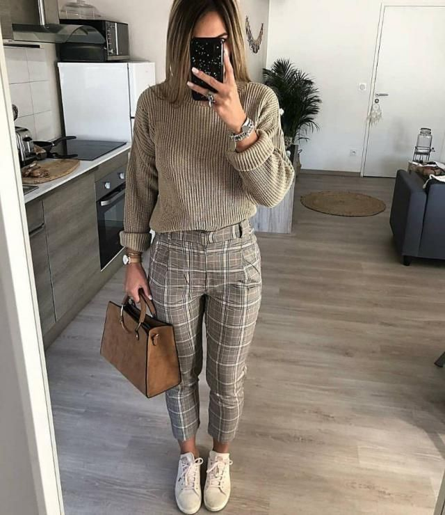 I love this khaki turtleneck sweater with plaid pants they look so elegant