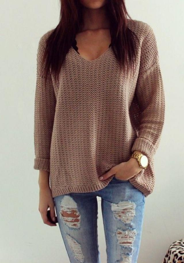A stylish sweater for a variety of combinations