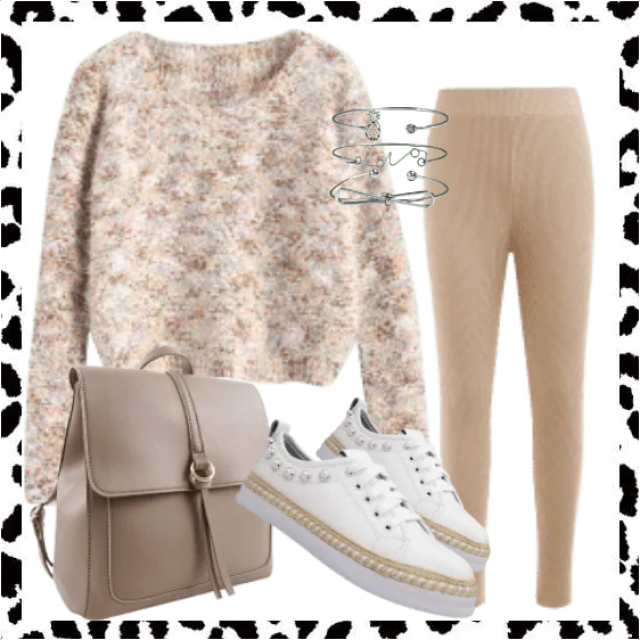Beige details are attractive and lightweight to wear with beige pants.