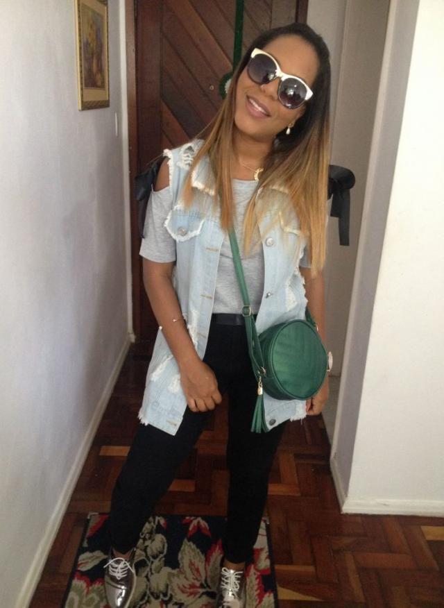 Mais fotos desse look no Blog https://jeanecarneiro.com.br/maxi-colete-jeans-aquele-look/