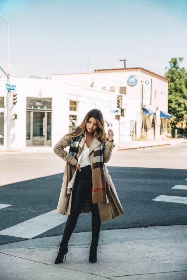585f1841a4 Coat Light Khaki Beautiful coat with leather pants and boots black