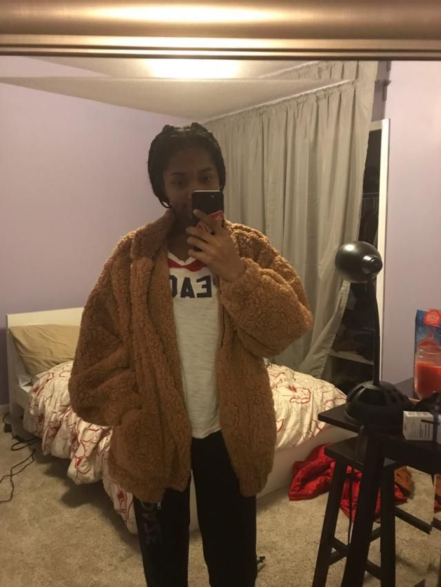 I've been waiting for this jacket for a hot minute now and I finally have it! I'm 5'5 and 125 pds and I got a small. I…