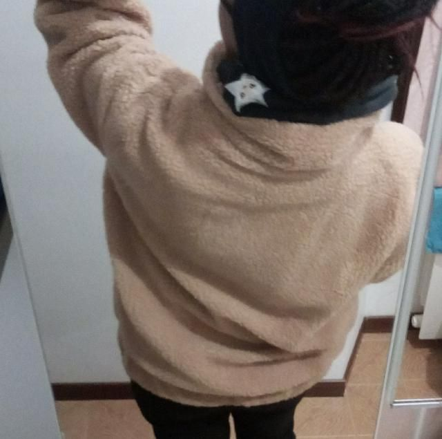 Soft, no funny smell. Larger size than anticipated. Size M. A little thinner than I suspected but it is still warm and…