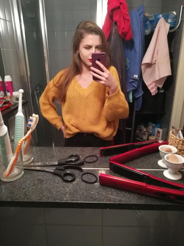 My favourite sweater ever!!!  It's thin, without wool, but it looks gorgeous. 84x68x94 cm and I ordered size S.