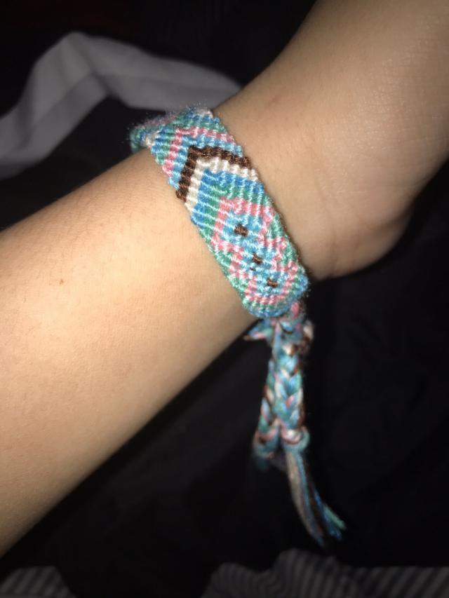Solo uso la azul es la única que me queda la otra es muy grande no tiene mas agarres pero vale la pena comprarlas la a…