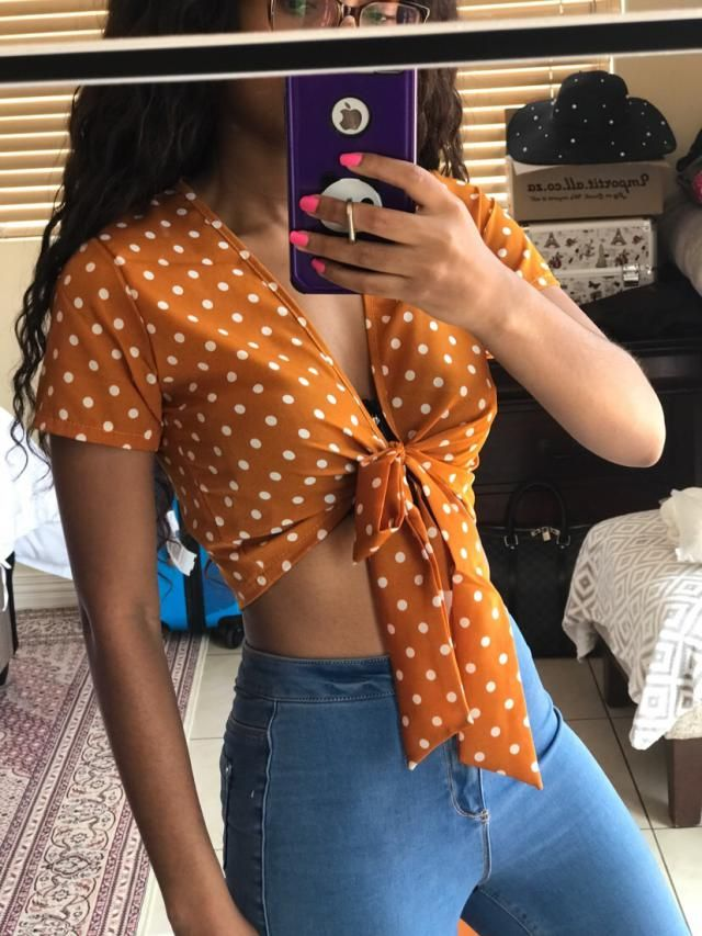 I absolutely adore this top, the material is silky smooth and you can easily dress it up or down.