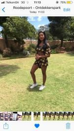 0bab2bdf22b9be 43% OFF  2019 Sunflower Crop Top And Pompoms Shorts Set In BLACK