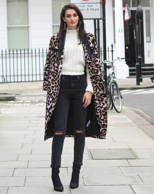 Coat  Leopard Wonderful look,leopard coat and jeans with sweater.Buy here ,online shop,only in ZAFUL!!!