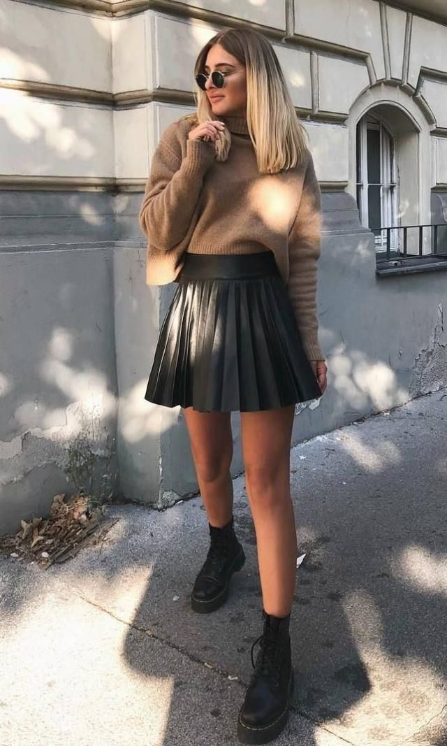 Pleated Mini Skirt Black