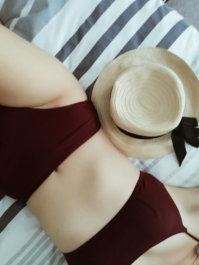 My new favourite bikini! Loved the colour and the fit was great and comfortable. There was some stitching loose on the…