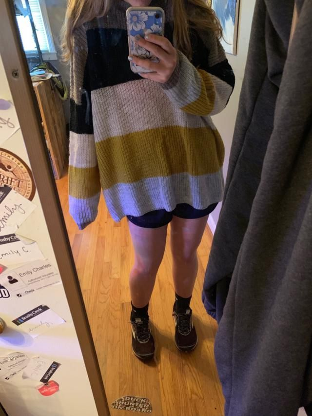 Soft material, was expecting something else but it was just like the pictures, kinda thin (wearing a pink sports bra y…