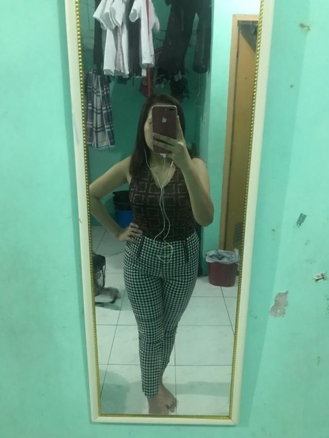 i got medium size .. by the way i am size 29 .. it fits very well .. thanks zaful ..