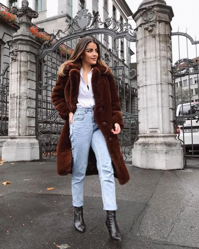 Dressing warm and stay on trend with this beautiful coat