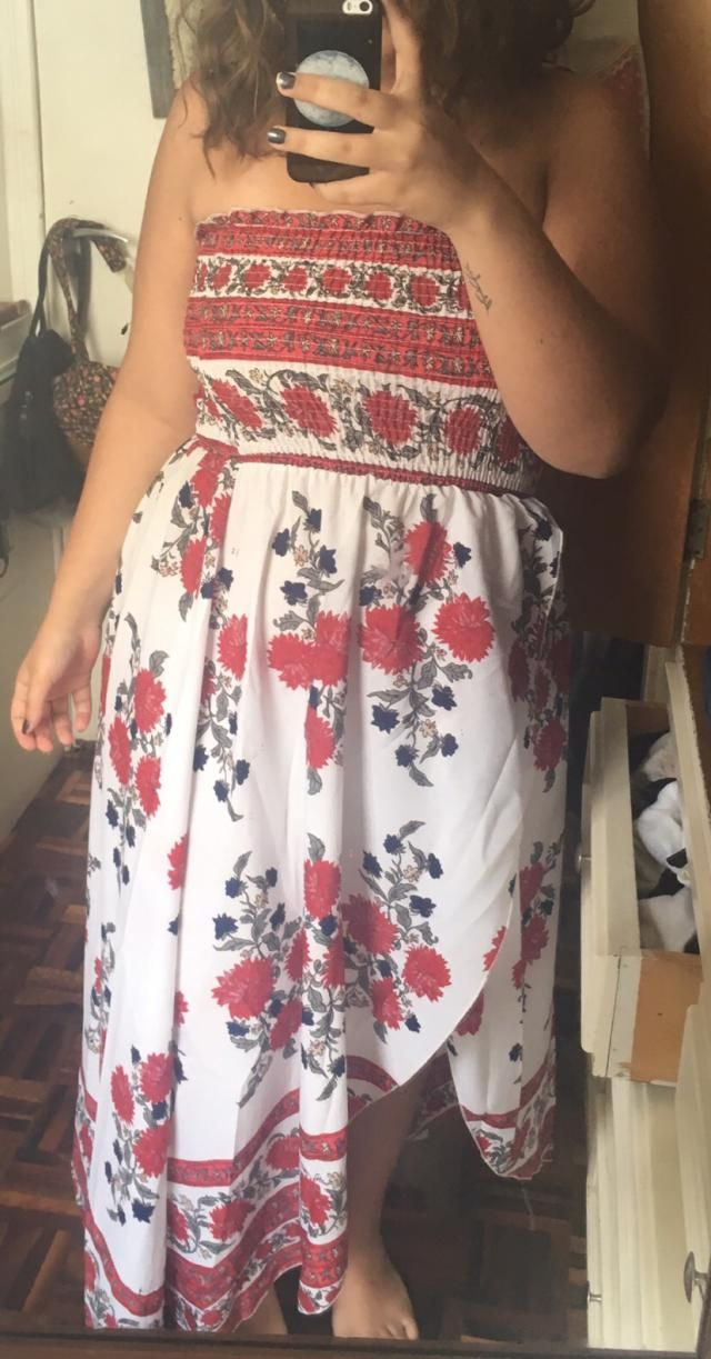 True to size Looks exaclty like the pictures  Super cute Fits well Love it