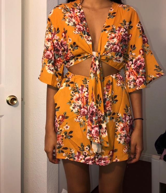I just received my item today, I placed an order on 12/13/2018 and it arrived a week later on 01/10/2019. This romper …