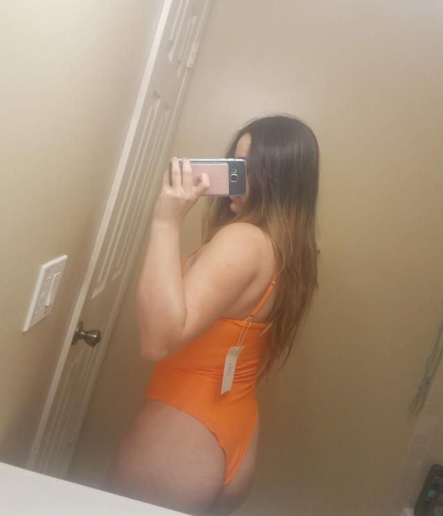 The swimsuit is really beautiful, the color is excellent and the material is thick, I liked it a lot because there are…