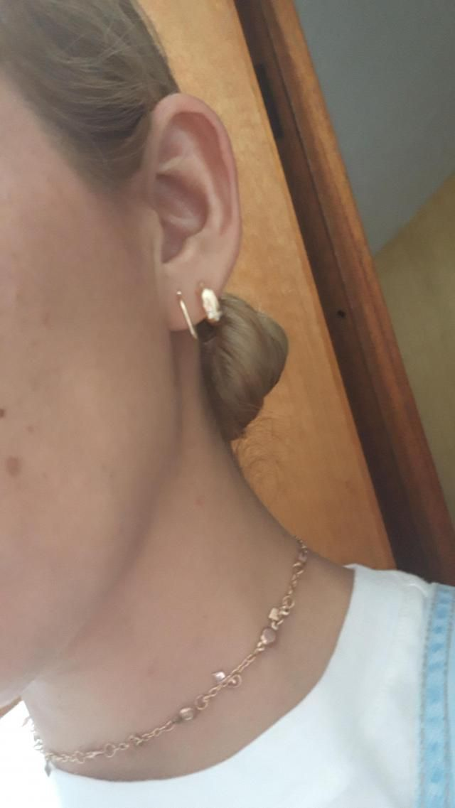All the earrings of this set I like a lot. Very good price.