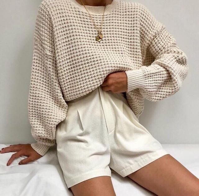 Me encantan los colores tierras, combinando varios tonos podemos tener un Outfit cool y trending!! El beige es el color…