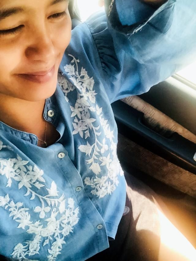 My 2019's first business meeting is with this beautiful and comfortable embroidered blouse. Im an L size and fits me w…