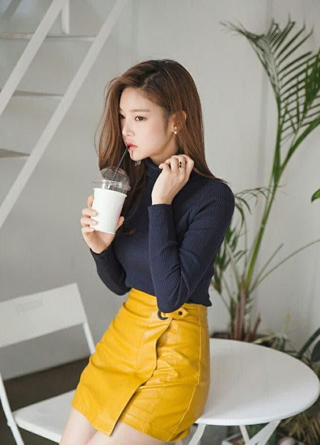 OH MY GOD, I'm falling in love with this beautiful yellow skirt, it looks amazing and the best part is that you can get…