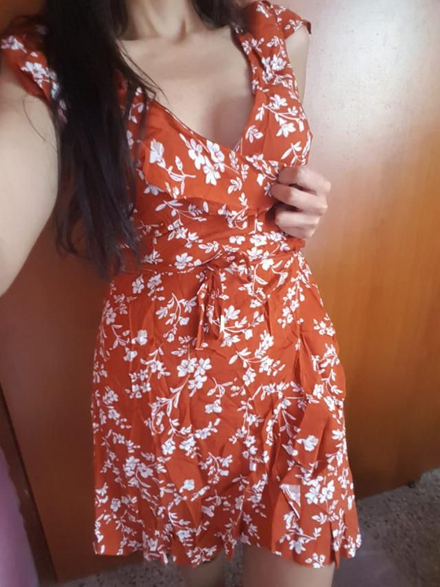 WOW! This dress is beautiful! I love it so much. The color is not as red, but more an orangey red brick. But lighting …