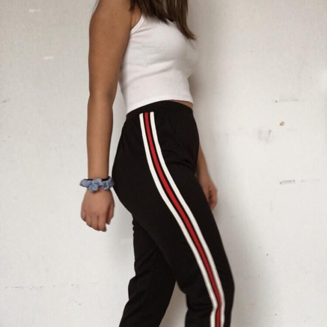 Material felt a little weird and rough, and not like the usual sweatpants type of material you get from brandy or othe…