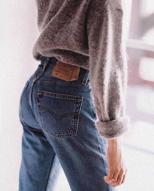 I love denim! Especially mom and boyfriend jeans, they add some vintage 90s vibes to any outfit, and they are so comfor…