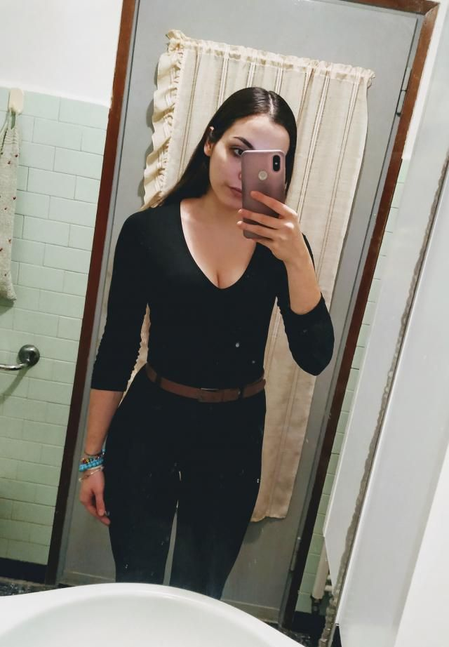 Total black outfits: yay or nay? I like them a lot, they are so flattering! The brown belt gives a little touch of col…