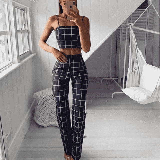 These two pieces outfit will make you look very stylish and fashionable